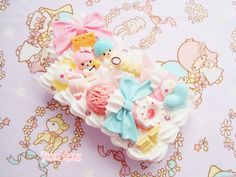 Kawaii Pastel Decoden case ( Little Twin Stars ^^~)