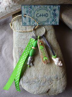 Porte clés et/ou bijou de sac en bois flotté vert femme : Autres bijoux par c-driftwood http://www.alittlemarket.com/boutique/c_driftwood-1849323.html