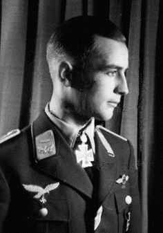 ✠ Hans Strelow (26 March 1922 – 22 May 1942) To avoid capture by the Red Army Strelow committed suicide after he was shot down.