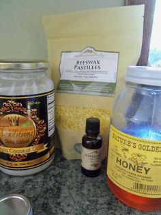 DIY: Homemade Natural Honey Coconut Lip Moisturizer | The Frugal Greenish Mama