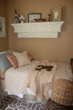 Guest bedroom Southern/ShabbyChic Charm - traditional - bedroom - birmingham - Merry Melton Hollaway Daniels