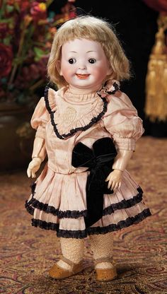 The Lifelong Collection of Berta Leon Hackney: 256 Rare German Bisque Googly, 180, by Kley and Hahn in Wonderful Costume