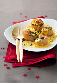 Paleo - Saint-jacques poles la crme de safran - It's The Best Selling Book For Getting Started With Paleo Seafood Recipes, Paleo Recipes, Healthy Dinner Recipes, Cooking Recipes, Paleo Food, Saint Jacques Poelees, Fried Scallops, Salty Foods, Scallop Recipes