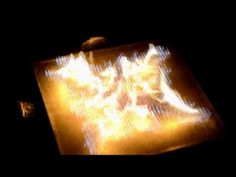 The PyroBoard - geluid/muziek gevisualiseerd met vuur. Sound waves are transmitted through a flammable gas creating alternating high and low pressure zones. This creates the flame pattern.