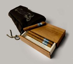 Creative Weatherbey's Fine Tobacco Packaging Design Awards Photos Gallery