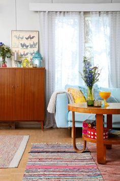 Luonnonlapsen värikäs koti   Meillä kotona Household, Curtains, Rugs, Home Decor, Farmhouse Rugs, Blinds, Decoration Home, Room Decor, Draping