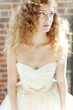 Carolina Herrera Aurora #wedding dress with hand-painted gold leaf | Adonye Jaja Photography | see more on: http://burnettsboards.com/2014/03/8-artistic-bridal-styles/