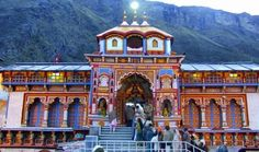 Badrinath Yatra Package by Helicopter - Looking for helicopter tickets for Badrinath ? Find offers on Badrinath helicopter tickets and get the best deal on Badrinath tours.