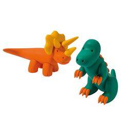 Fimo Kids -pakkauksesta löydät kaikki tarvikkeet ja kuvalliset ohjeet dinojen valmistamiseen.
