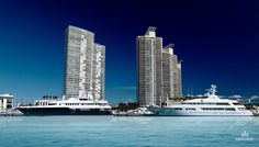 How to find the right Miami luxury properties for sale? Are you planning to invest in Miami luxury real estate? The first thing you should do is appoint a real estate agent or broker who can help y. South Beach, Miami Beach, Luxury Property For Sale, Condo Living, Beach Condo, Condominium, Luxury Real Estate, Willis Tower, Skyscraper
