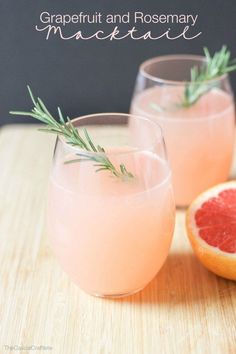 Grapefruit and Rosemary Mocktail | 21 Amazingly Easy Non-Alcoholic Drinks To Get You Through Dry July Beste Cocktails, Non Alcoholic Cocktails, Drinks Alcohol Recipes, Punch Recipes, Cocktail Drinks, Drink Recipes, Brunch Drinks, Cocktail Recipes, Easy Mocktails