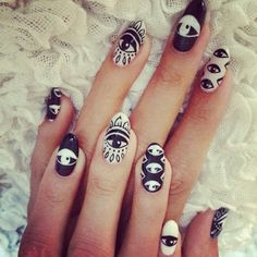 Eyes | Black & White nail art kylie jenner nails