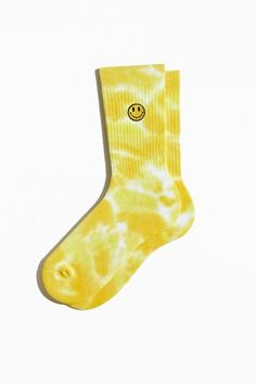 Dr Shoes, Sock Shoes, Best Workwear, Accesorios Casual, Cute Socks, Sport Socks, Smile Face, Christmas Wishes, Star Fashion