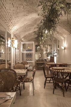 Dray Martina, el restaurante in Madrid Restaurant Vintage, Cafe Restaurant, Restaurant Design, Cafe Bar, Cafe Shop, Bar Madrid, Cafe Interior, Interior Design, Deco Cafe