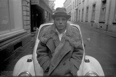 Joseph Beuys, 1971, Düsseldorf, Germany, photo. Tadeusz Rolke / The Gazeta Agency