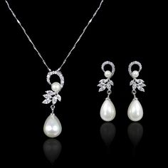 Art Deco White/Ivory Pearl Necklace Earring Set For bride.
