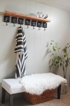 Make over your entryway for under $100 +  a styling trick | http://www.hammerandheelsblog.com/entryway-updates-a-styling-trick/