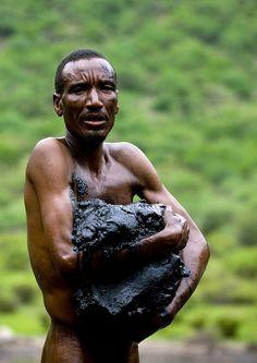 El sod volcano, working in hell  Ethiopia