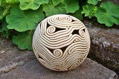 ❀ Gartenkugel ❀ Teelicht Keramik, von KeSch-Keramik auf DaWanda.com
