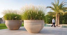 Pflanzgefässe von Ateliervierkant - Stilvoll und Elegant. Diese in Belgien handgefertigten Keramik-Gefässe verleihen jedem Garten eine einzigartige Ausstrahlung.