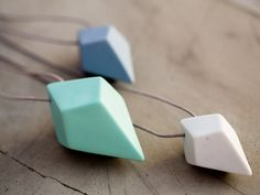 FACET Necklace. A handcrafted porcelain necklace by Studio PS from The Netherlands