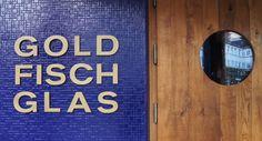 Longsdrinks genießen und an manchen Tagen auch Livemusik lauschen - im Goldfischglas Hamburg! #hamburg #bar #goldfischglas #sternschanze #schanzenviertel #hamburgcity
