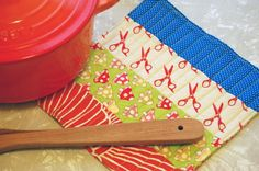 no-binding quilted pot holder (note to self: use insul-bright instead of two layers of regular batting)