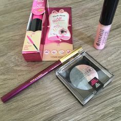 MyStyleSpot: GIVEAWAY: Win Some Makeup!