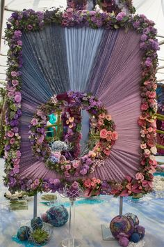 2012 RHS Chelsea Flower Show, NAFAS (National Association of Flower Arrangement Societies) created an amazing exhibit inspired by Monet's Garden at Giverny. Beautiful!!!