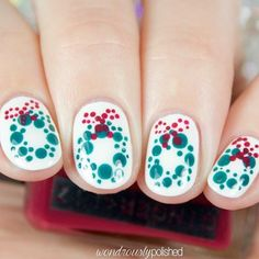 21 Lovely Holiday Nails Designs to Get You in the Spirit: Christmas Wreaths for Holiday Nails Holiday Nail Designs, Holiday Nail Art, Christmas Nail Art, Cool Nail Designs, Christmas Wreaths, Christmas Stuff, Xmas Nails, Fun Nails, Snowflake Nail Art