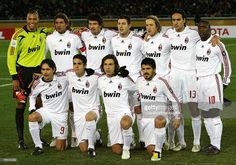 AC Milan starting players pose in a photo session piror to their Club World Cup Japan 2007 final match against South American champion Boca Juniors in Yokohama, 16 December AC Milan beat Boca. Get premium, high resolution news photos at Getty Images Ac Milan, Fifa Mundial, Alessandro Nesta, Paolo Maldini, World Cup Teams, Andrea Pirlo, Club World Cup, Yokohama, Photo Sessions