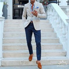 Great style inspiration by our friend @louisnicolasdarbon cream cashmere blazer x navy overcheck trousers x tan suede tassel loafers