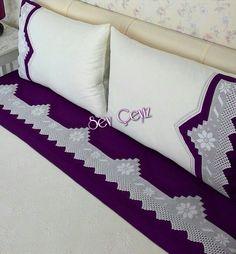 Dantelli Pike Takımı Crochet With Cotton Yarn, Crochet Yarn, Designer Bed Sheets, Crochet Monkey, Curtain Tie Backs, Pink Bedding, Bed Design, Bed Pillows, Diy And Crafts