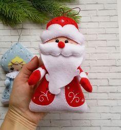 ФЕТРоголик (ИДЕТ НОВОГОДНИЙ КОНКУРС!) Handmade Christmas, Christmas Crafts, Merry Christmas, Christmas Decorations, Xmas, Christmas Ornaments, Holiday Decor, Felt Ornaments, Christmas Projects