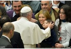 Pope thanks mothers for their precious role