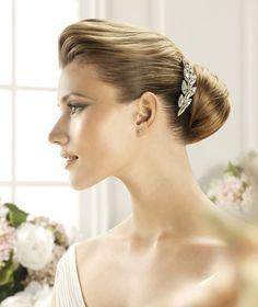 Pronovias präsentiert Ihnen den Kopfschmuck T20-2443 für die Braut. | Pronovias
