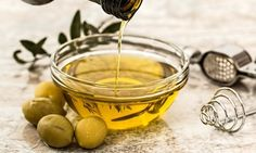 Organic olive oil should be made from only olives and no additives. The best organic olive oil is made by brands like Idyll, Bragg, Kirkland or Mantova. Olive Oil Hair, Hair Oil, Olive Oils, Weight Loss Tea, Healthy Weight Loss, Lose Weight, Olives, Headache Remedies, Migraine Headache