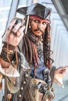 "Captain Jack Sparrow photoshoot with cosplayer ""Just Some Nerd"" #cosplay"