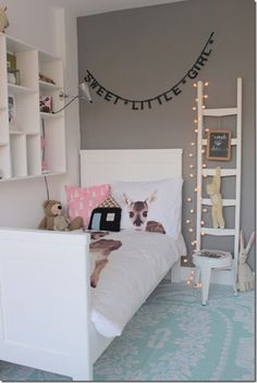 Sweet little girls bedroom design 👶🎀💤 Meisjeskamer 🎀 Ideas Habitaciones, Deco Kids, Little Girl Rooms, Fashion Room, Kid Spaces, New Room, Kids House, Girls Bedroom, Bedroom Bed