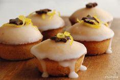 Κέϊκ λεμονιού με ολόκληρο λεμόνι - το αρωματικό | TasteFULL.gr Mini Cupcakes, Muffins, Cheesecake, Lemon, Sweets, Cooking, Breakfast, Desserts, Recipes