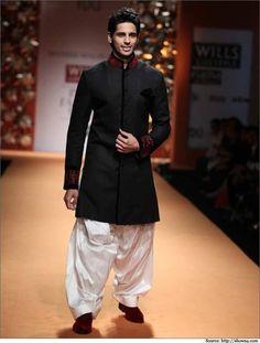 Sidharth malhotra lakme fashion week manish malhotra. #SidharthMalhotra