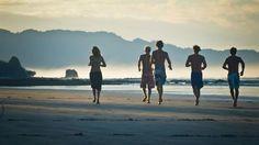 Running at the beach - Surf camp - Costa Rica - KILROY