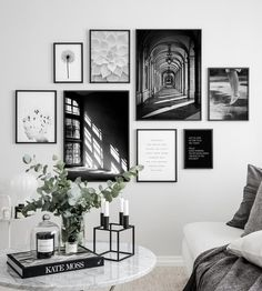 - Wall Art Ideas - 3 meest gemaakte fouten bij het maken van een gallery wall 3 most common mistakes when making a gallery wall - Everything to make your home your Home Inspiration Wall, Interior Inspiration, Gallery Wall Layout, Gallery Wall Art, Photo Gallery Walls, Living Room Gallery Wall, Living Room Wall Art, Picture Wall Living Room, Black And White Posters