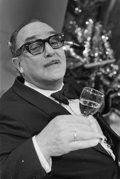 Sjef van Oekel opnamen voor kerstmis 1974 / Sjef van Oekel, shooting for Christmas 1974 | Flickr - Photo Sharing!