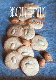 Ho provato a fare una variante dei Biscotti di Montegranaro . Una dritta di mia zia Rosella che, come ho già detto, è di Montegran...