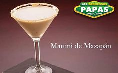 MARTINI DE MAZAPAN  1 Mazapán de la Rosa 3 Hielos 4 oz Leche Carnation 3/4 oz Frangelico 1/2 oz Licor de Cafe 1 1/2oz de Vodka Jarabe Dulce Cane...