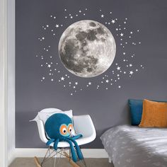 Moon & Stars Fabric Wall Decals for the Nursery and Nursery- Mond & Sterne Stoff Wandtattoo für den Kindergarten und Kinderzimmer This wall decal full moon and a variety of stars … - Childrens Bedroom Decor, Bedroom Themes, Kids Bedroom, Kids Rooms, Space Theme Bedroom, Childrens Rooms, Space Themed Nursery, Master Bedroom, Boy Rooms
