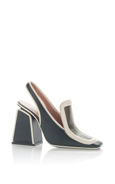 This **Marni** pump is rendered in calf leather and features a squared toe with a contrasting trim.