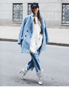 "1,503 Me gusta, 10 comentarios - Stylesight Spotlight® (@stylesightspotlight) en Instagram: ""◇ Paris Fashion Week Street Style HIGHLIGHTS by @dariak_style during @fashion_week x…"""