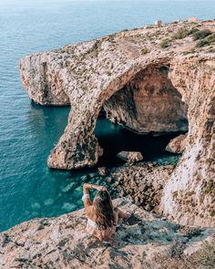 6 Days in Malta: The perfect itinerary | Things to do in Malta | Malta Island | Europe islands | Malta travel | Where to stay in Malta | Malta beaches | Malta Island Photography | Blue Grotto Malta | Blue lagoon Malta | Travel blogger | Tour de Lust Travel Destinations Beach, Europe Destinations, Places To Travel, Places To Visit, Beach Travel, Travel Europe, Italy Travel, Malta Valletta, Malta Blue Lagoon